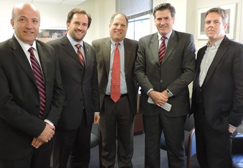 WASHINGTON DC: con el Coordinador del Programa Internacional de derechos del Trabajador (AFL – CIO), Brian Finnegan.